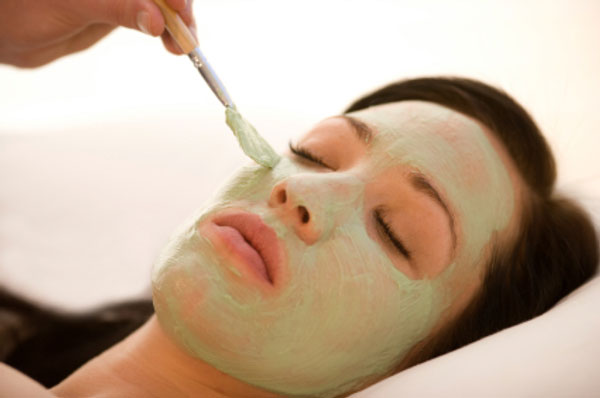 ¿Como hacer una mascarilla facial con frutas y blanquear la piel? – VIDEO